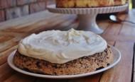 Date & chocolate torte